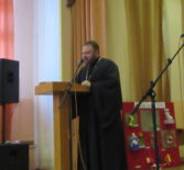 В Дубенской СОШ прошло общешкольное родительское собрание с участием священнослужителя