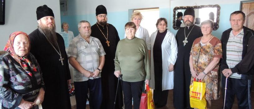 Социальный отдел Ардатовской епархии провел благотворительные акции в Чамзинском и Атяшевском доме для престарелых и инвалидов