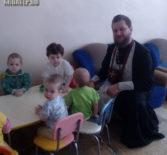 В Большеберезниковском доме ребенка принявшие Таинство Крещения дети впервые причастились Христовых Таин