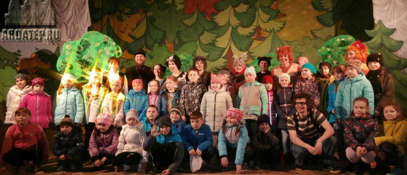 В Большеберезниковском ДК прошел экологический спектакль «Лис Лисыч и его друзья»