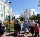 Настоятель Казанского прихода с.Киржеманы своим прихожанам сделал подарок к престольному празднику — организовал паломническую поездку в Серафимо-Дивеевский женский монастырь