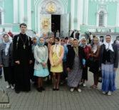 Паломники Ардатовской епархии посетили Серафимо-Дивеевский женский монастырь