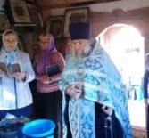 В с.Дюрки Атяшевского района прошло праздничное богослужение на святом источнике в честь коны Божией Матери, именуемой «Неопалимая Купина»