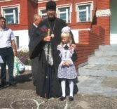 Архипастырь посетил торжественную линейку, посвященную Дню знаний в Низовской СОШ Ардатовского района