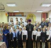 Накануне праздника Покрова Божией Матери, в Комсомольской музыкальной школе прошел праздничный концерт