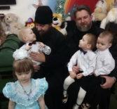 Рождественские подарки воспитанникам Большеберезниковского дом-малютки
