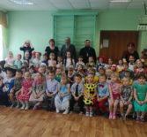 В Комсомольском детском саде «Красная Шапочка» прошла Рождественская елка