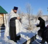 Благочинный Чамзинского района в Крещенский Сочельник освятил воду в Никольском источнике с.Альза Чамзинского района