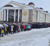 На площадиПобедып.Атяшево возле вечного огня состоялся траурный митинг, памяти трагически погибших в г.Кемерово