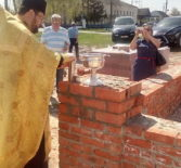 В Больших Березниках на месте старого Троицкого храма возводится часовня в честь Архангела Михаила