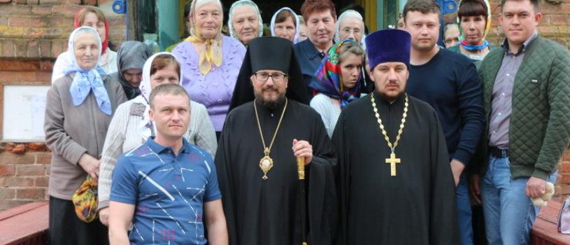 Архипастырь совершил Божественную литургию в храме преподобного Сергия Равдонежского п.Тургенево Ардатовского благочиния