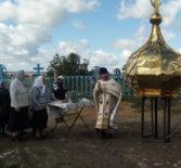 На Киржиманском приходе 1-го церковного округа Атяшевского благочиния освятили и установили крест и купол на кровлю новостроящейся кладбищенской часовни