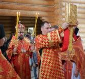 В день памяти великомученника и целителя Пантелеимона Архипастырь совершил Божественную литургию на Лукинском архиерейском подворье г.Саранска