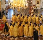 Архиереи Мордовской митрополии совершили Божественную Литургию в кафедральном соборе святого праведного воина Феодора Ушакова
