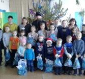 Светлый праздник Рождества Христова встретили прихожане церкви Владимирской иконы Божией Матери