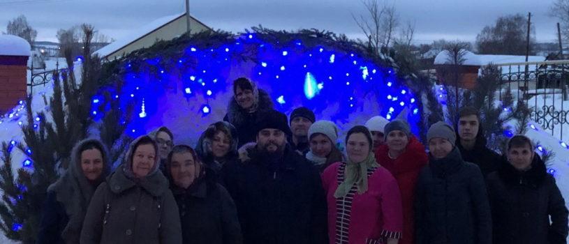 Никольский приход с.Дубёнки дружной семьёй впервые готовят столь величественный вертеп к празднику Рождества Христова