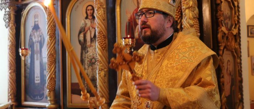 Архипастырь совершил Божественную литургию в Трехсвятительском приходе с.Сабур-Мачкасы Чамзинского благочиния