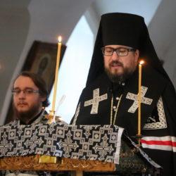 По сложившейся великопостной традиции Архипастырь совершил чтение покаянного канона Андрея Критского в двух храмах Ардатовской епархии