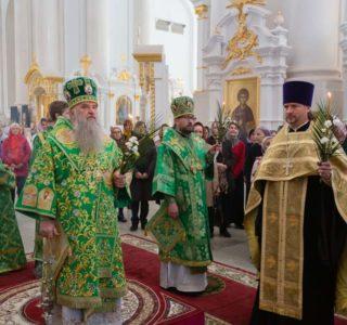 Всенощное бдение в Смольном соборе г.Санкт-Петербурга