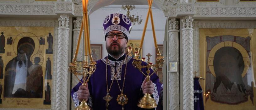 Архипастырь совершил Божественную литургию святителя Иоанна Златоустого в Никольском кафедральном соборе г.Ардатова