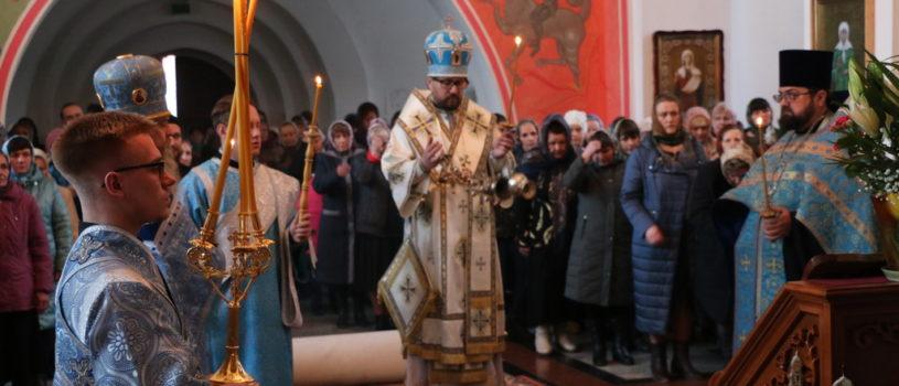 Архипастырь совершил Всенощное бдение в Благовещенском приходе п.Комсомольский Чамзинского благочиния