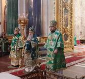 Вербное воскресенье, праздник Входа Господня в Иерусалим, Архипастырь сослужил митрополиту Санкт-Петербургскому и Ладожскому Варсонофию в Исаакиевском соборе г.Санкт-Петербурга