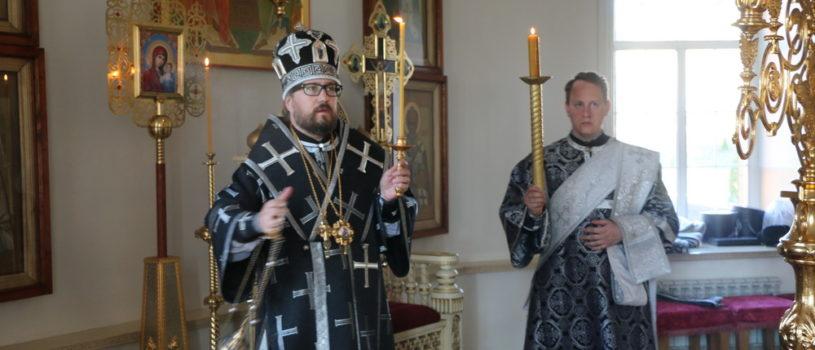 Вечерня с чином выноса Плащаницы в Никольском кафедральном соборе г.Ардатова