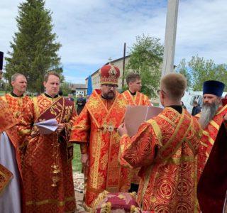 Архипастырь совершил чин Великого освящения Храма Христа Спасителя в с.Симкино