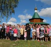 Архипастырь совершил Божественную литургию в Троицком приходе с.Пуркаево Дубенского благочиния