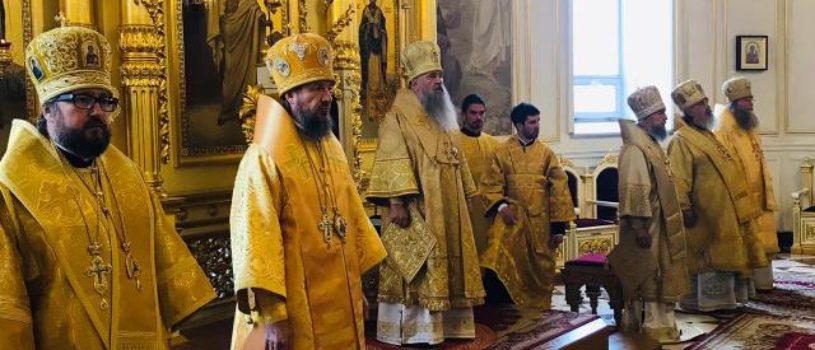 В день памяти святого праведного воина Феодора Ушакова в Свято-Феодоровском кафедральном соборе состоялась праздничная Божественная Литургия