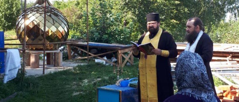 На новостроящийся храм в с.Пермиси Большеберезниковского района установили кровлю и купол