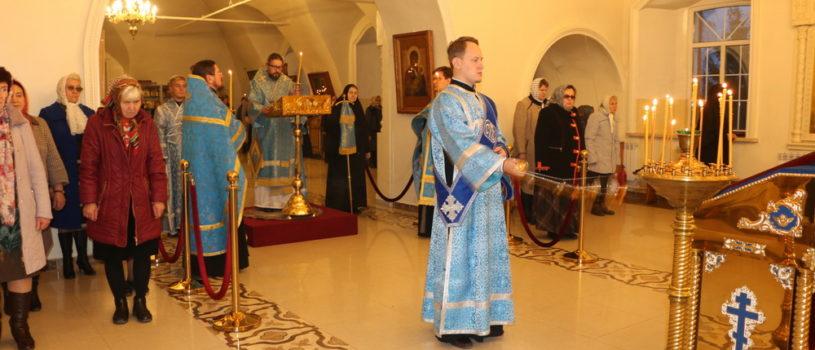 Всенощное бдение в Никольском кафедральном соборе г.Ардатова накануне Покрова Пресвятой Богородицы