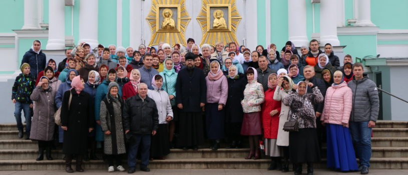 Архипастырь совместно с паломниками Ардатовской епархии совершил паломничество в Серафимо-Дивеевскую обитель