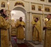 Архипастырь совершил Божественную литургию в Никольском кафедральном соборе накануне Лукинских образовательных чтений