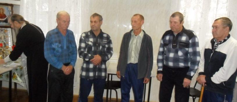 В Месячник пожилых людей в Доме ветеранов и инвалидов п. Комсомольский Чамзинского района