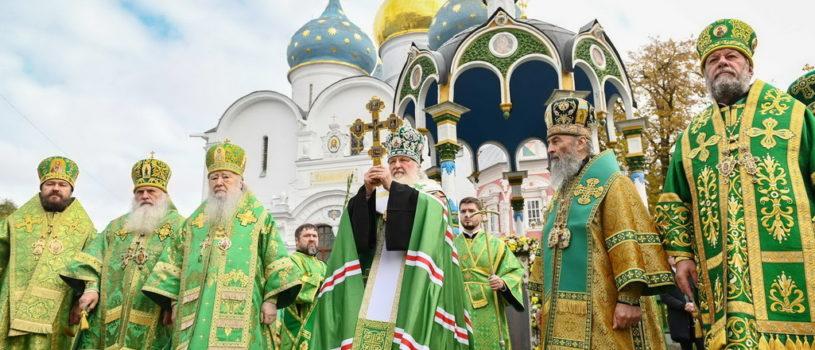 Епископ Ардатовский и Атяшевский Вениамин принял участие в престольных торжествах в Свято-Троицкой Сергиевой Лавре