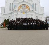 В Свято-Троицком Серафимо-Дивеевском женском монастыре прошли соборные богослужения в рамках научно-практической конференции, организованной Синодальным отделом по монастырям и монашеству