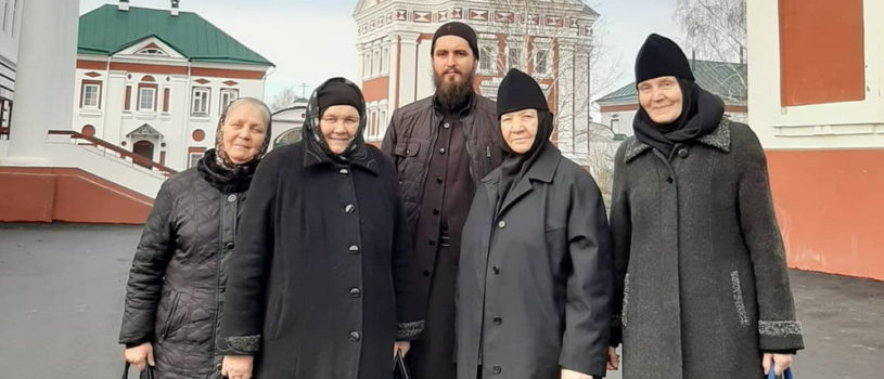 Группа монашествующих Ардатовской епархии посетила Свято-Троицкий Сканов женский монастырь