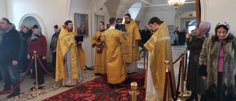 Архипастырь совершил воскресную Божественную литургию в Никольском кафедральном соборе г.Ардатова