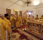 Архипастырь в сослужении духовенства Ардатовского благочиния совершил Божественную литургию в Никольском кафедральном соборе г.Ардатова
