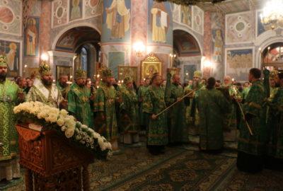 Архипастырь принял участие в торжествах в Свято-Троицком Серафимо-Дивеевском женском монастыре