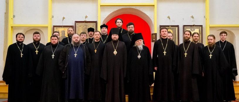 Архипастырь принял участие в богослужении для слепоглухонемых в храме Тихвинской иконы Божией Матери в Симоновском монастыре г.Москва