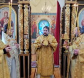 Архипастырь совершил Божественную литургию в храме Трех Святителей с.Сабур-Мачкасы Чамзинского благочиния