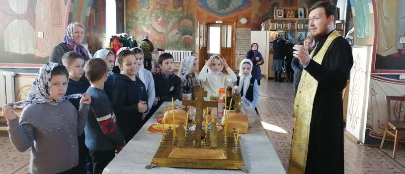 Учащиеся начальных классов Чукальской школы посетили Михайло-Архангельский храм