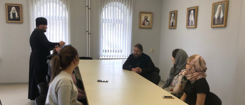 Архипастырь встретился с сестрами милосердия Ардатовского медицинского колледжа