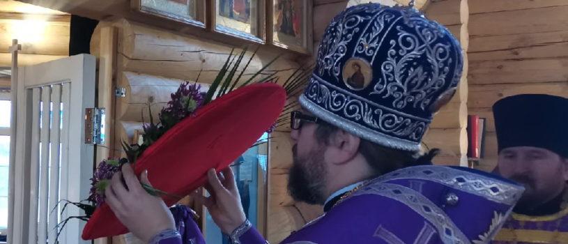 Архипастырь совершил Всенощное бдение в храме Новомучеников и Исповедников Российских г.Ардатова