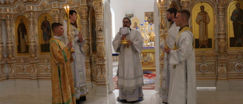 Великая Суббота в Андреевском храме п.Атяшево