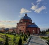 Архипастырь совершил Божественную литургию в Никольском кафедральном соборе в день памяти Иоанна Богослова