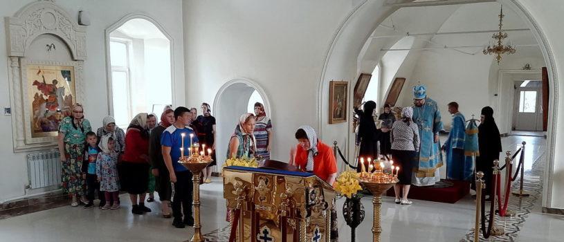 Всенощное бдение с чтением акафиста иконе Божией Матери Казанской в Никольском кафедральном соборе г.Ардатова
