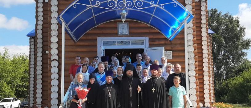 Архипастырь совершил Божественную литургию в Михайловском приходе с.Большие Манадыши Атяшевского района